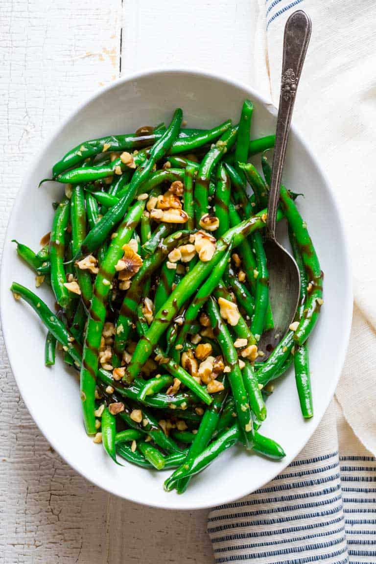 balsamic green beans in serving dish
