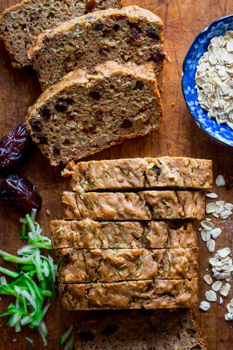 This Healthy Zucchini Oat Bread is packed with zucchini and sweetened with dates instead of sugar. It's a delicious vegetarian and uber kid-friendly whole grain breakfast or snack! | Healthy Seasonal Recipes | Katie Webster