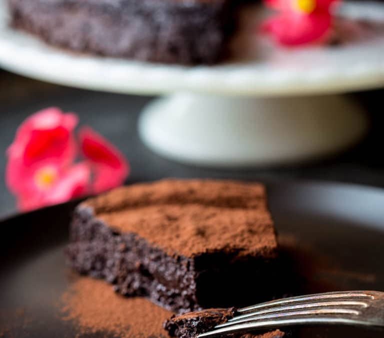 skinny flourless chocolate cake