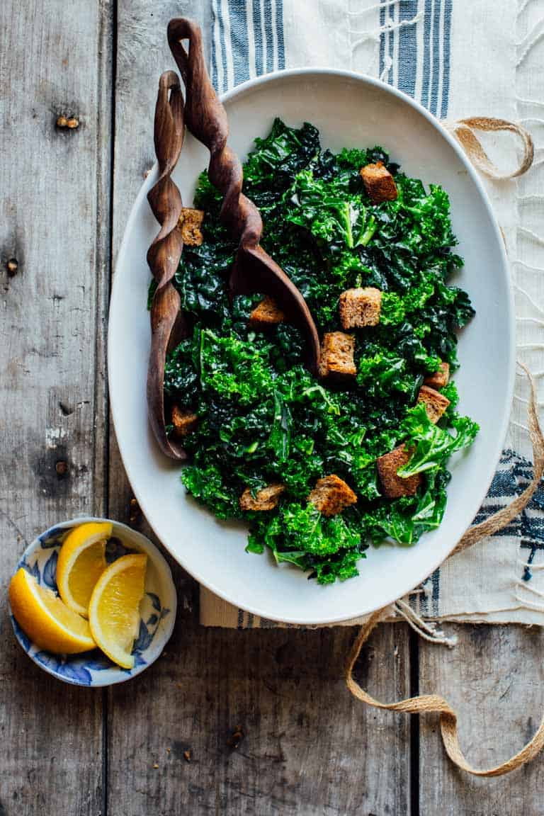 This Overnight Kale Caesar Salad is the perfect make-ahead dish! | Healthy Seasonal Recipes #entreesalad #makeahead