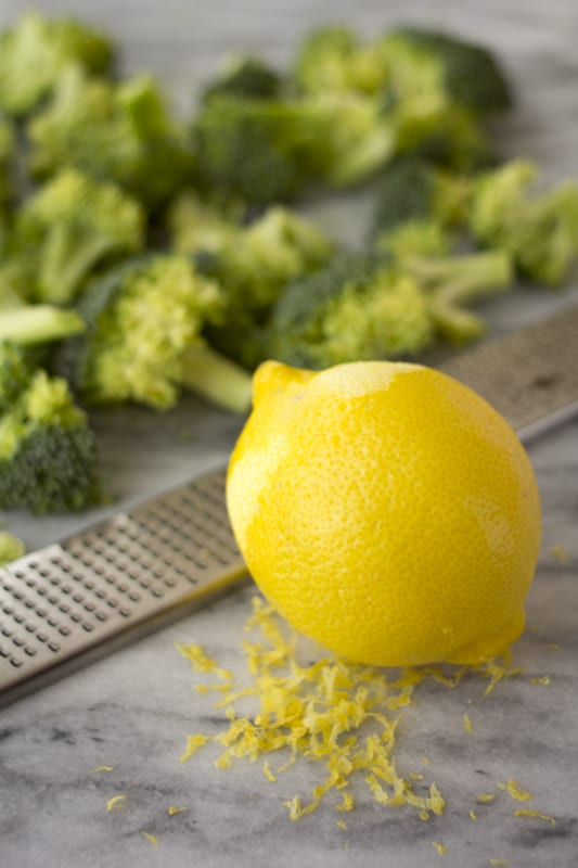 ingredients for lemon garlic broccoli