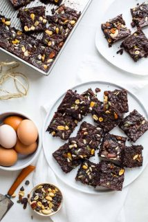 These Fudgy Greek Yogurt Trail Mix Brownies are the perfect treat to take to your next Spring event! Healthy Seasonal Recipes #brownie #vegetarian #dessert #chocolate #kidfriendly