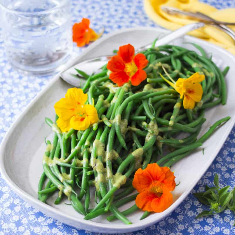 green beans with basil vinaigrette