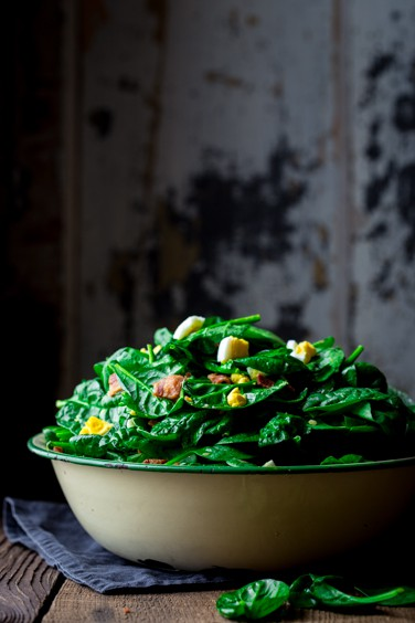 spinach salad with bacon and eggs {grain-free}