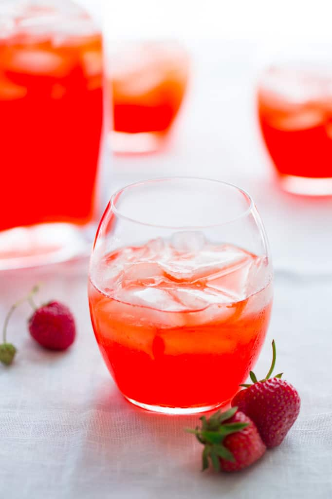 strawberry ginger pink lemonade cocktail recipe