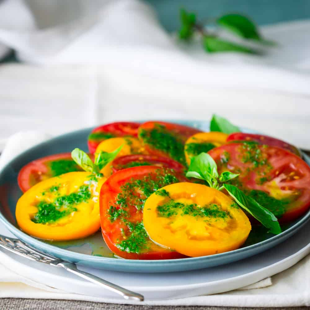 10 minute tomato salad with Thai basil dressing 5 ingredients #lowcarb and #glutenfree