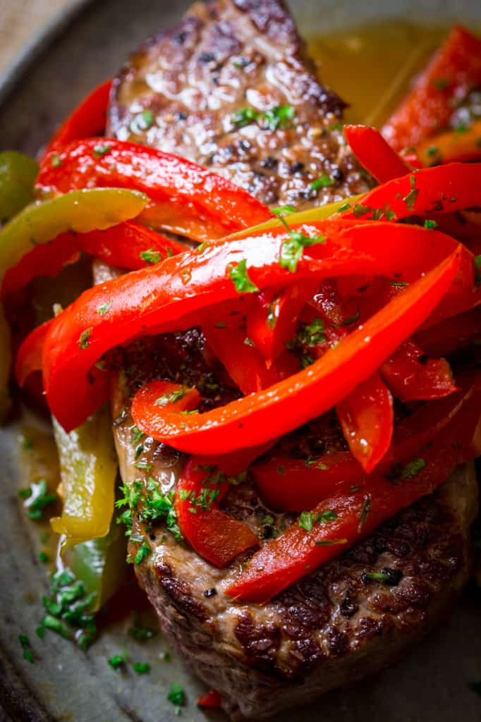 Skillet Pepper Steaks {paleo} on healthyseasonalrecipes.com totally grain-free and low-carb