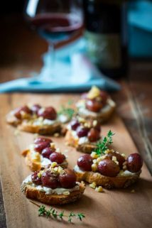 Roast Grape Crostini with Goat Cheese and Walnuts | Appetizer | Fall | Vegetarian | Healthy Seasonal Recipes