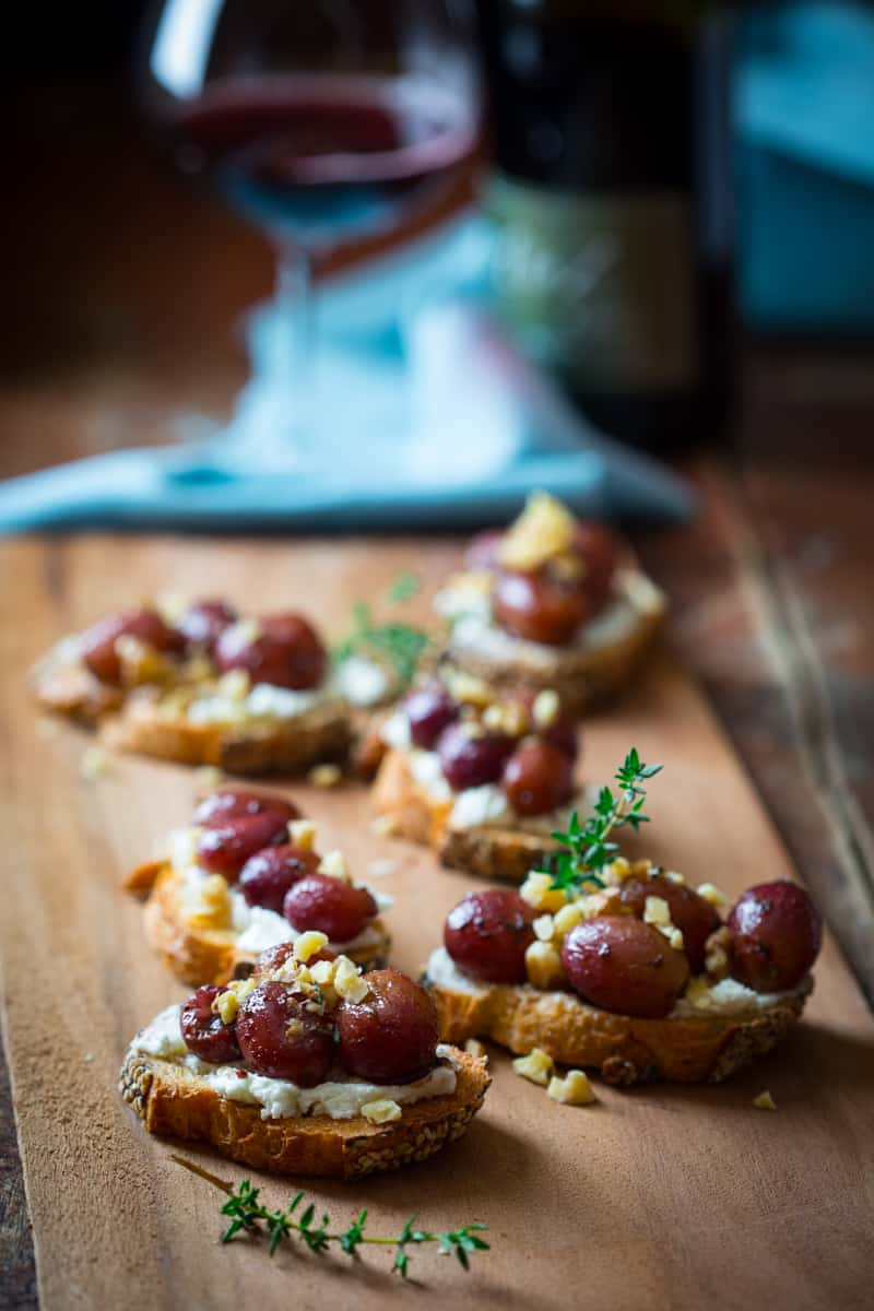 roasted grape crostini with goat cheese and walnuts - Healthy