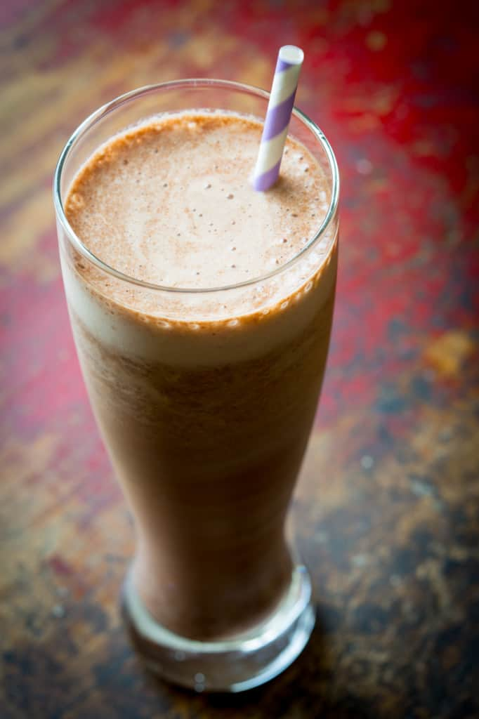 125 calories skinny chocolate protein shake {lactose-free}