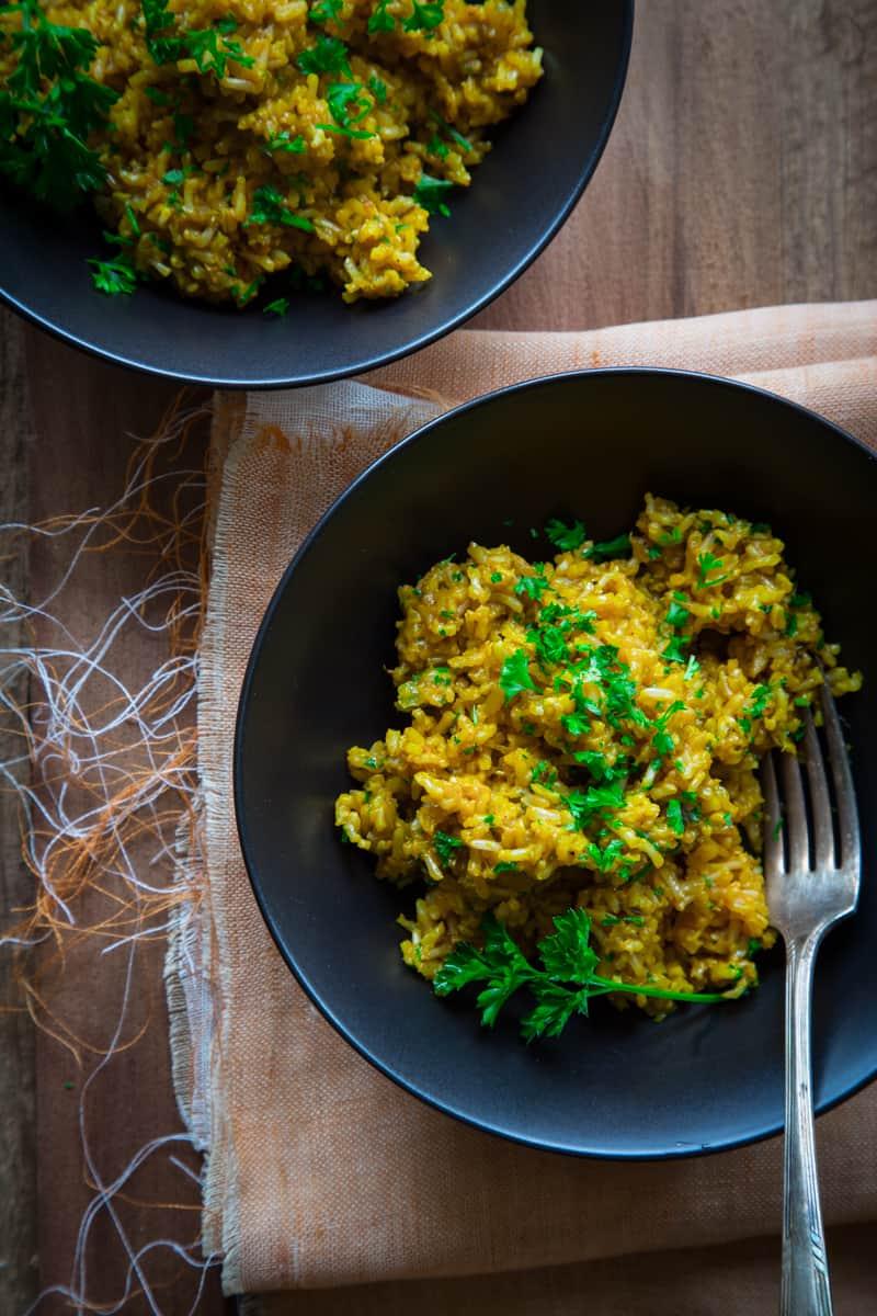 simple saffron brown rice {vegan and gluten free}