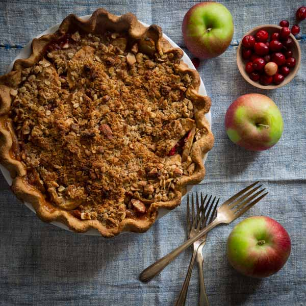 cranberry maple apple crumb pie