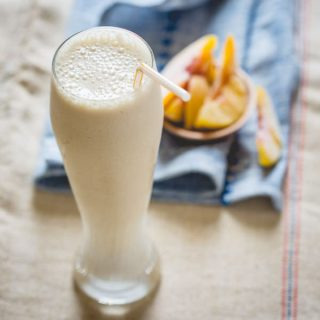 Peach Cobbler Smoothie | Primal and High Protein on healthyseasonalrecipes.com