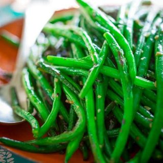 Simple Vegan Skillet Green Beans- Naturally paleo, gluten-free and low carb. On Healthy Seasonal Recipes by Katie Webster