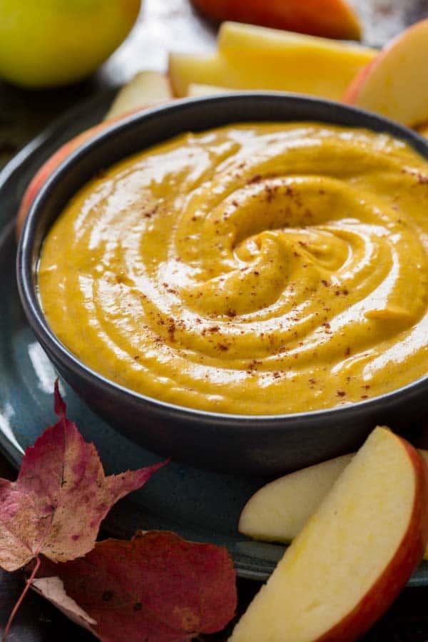 Maple Pumpkin Pie Dip in a bowl