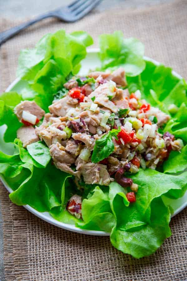 10 minute mediterranean tuna salad. Gluten-free and paleo. Healthy ...