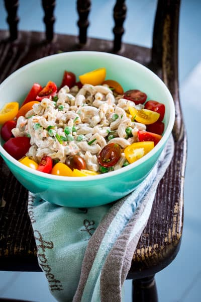 greek yogurt garden macaroni salad with cheddar