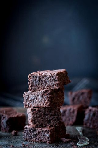 These brownies by Healthy Seasonal Recipes are super chocolatey and dense. And you only need one bowl to make them!