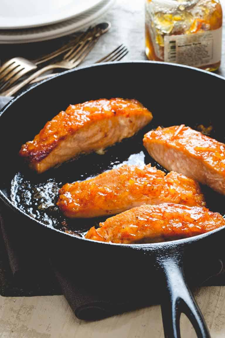 Simple Salmon recipe with Orange Marmalade and Sriracha Glaze, naturally gluten-free and ready in only 20 minutes! Healthy Seasonal Recipes