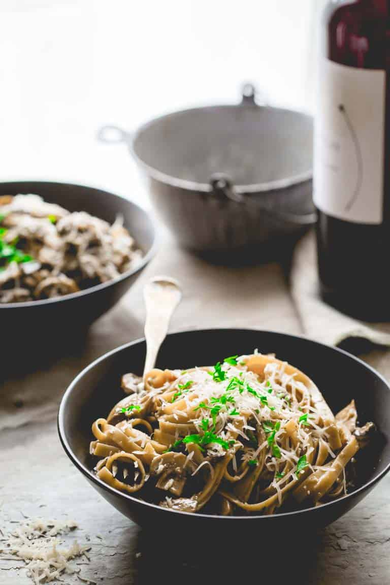 bowls of vegetarian fettuccine carbonara