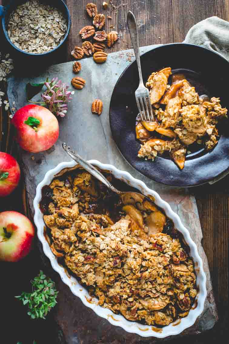 healthy apple crisp with pecans and apples