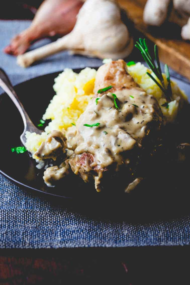 pork chops with creamy mushroom gravy