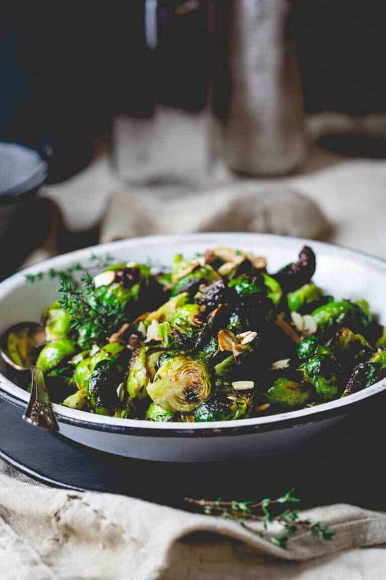 roasted brussels sprouts with balsamic and thyme