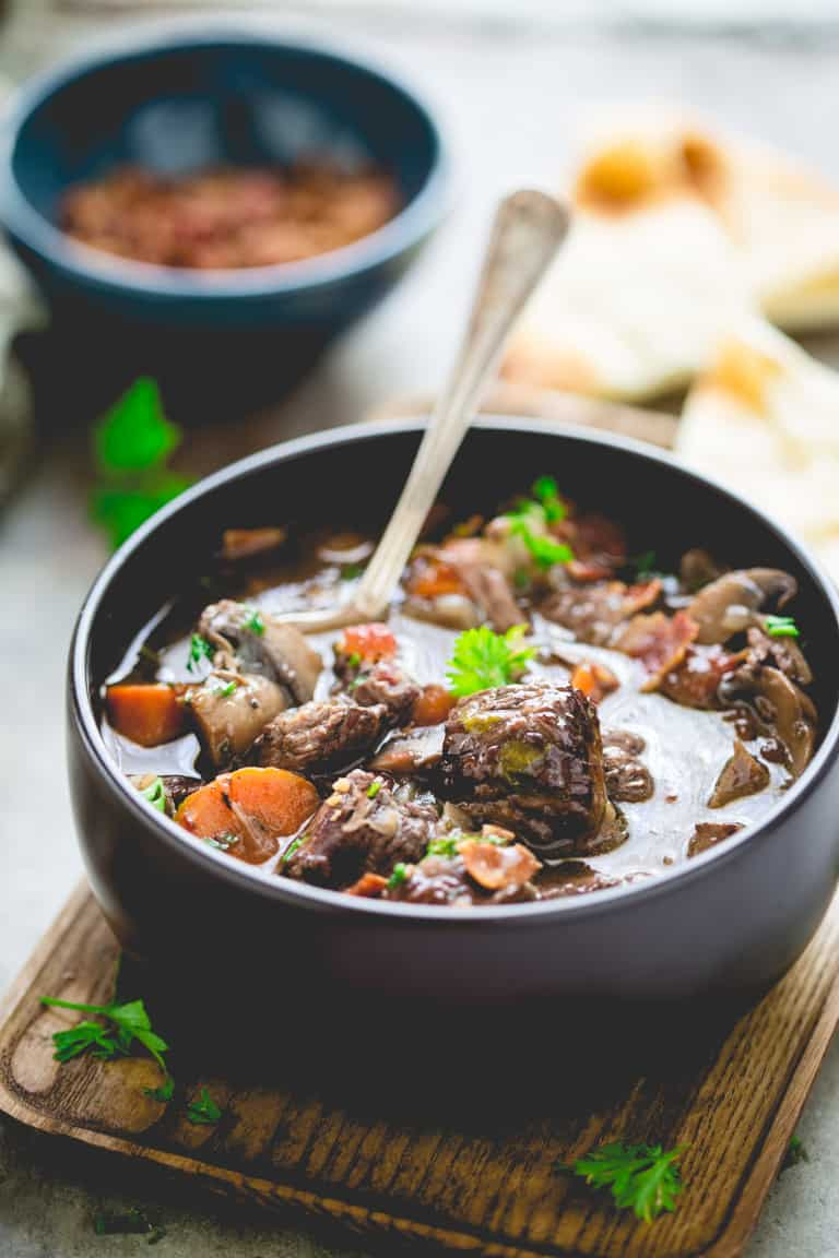 Healthy Slow Cooker Beef Burgundy | Comfort Food | Dinner | Fall | Winter | Vegetables | Healthy Seasonal Recipes