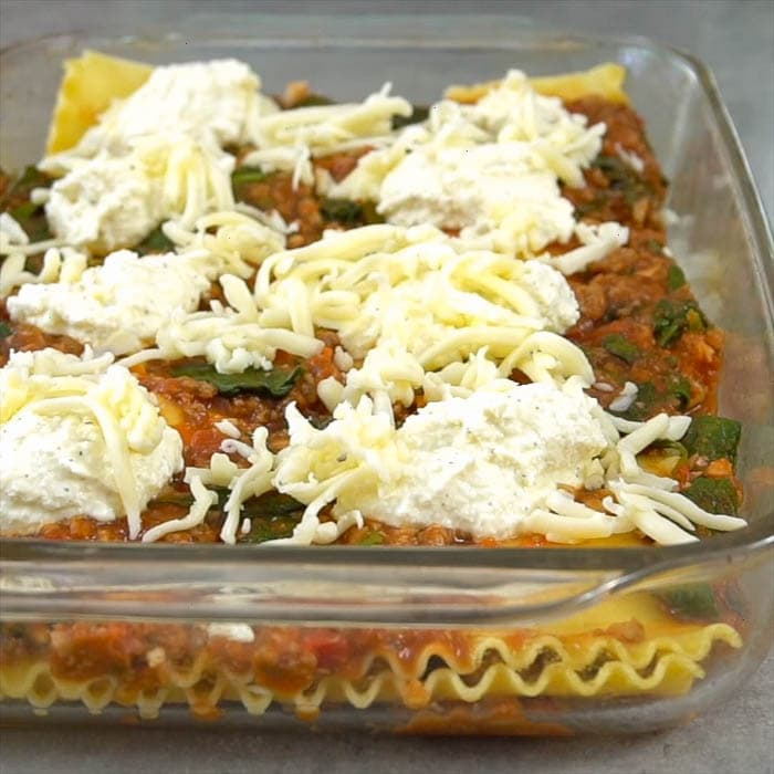 the layering of the lasagna