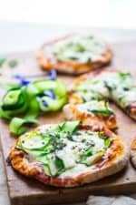 20 minute zucchini ribbon pita pizzas