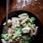 Chicken and Broccoli Alfredo takes only 30 minutes to make and is only 300 calories per serving! | Healthy Seasonal Recipes | Katie Webster