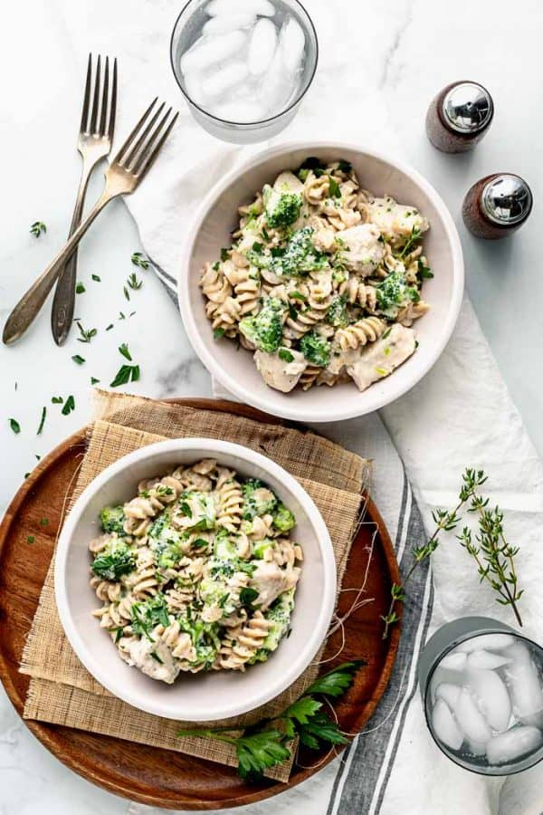 pasta alfredo in two bowls