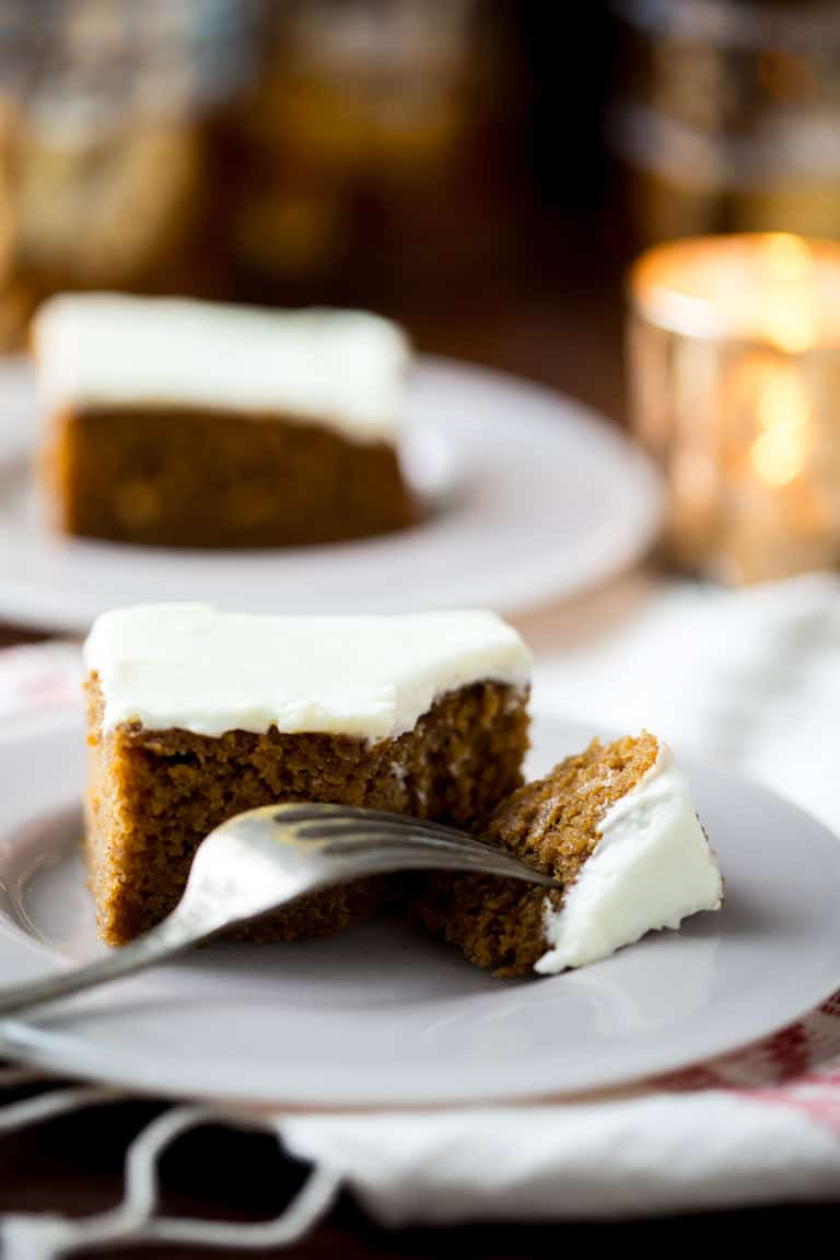 gingerbread cake slice