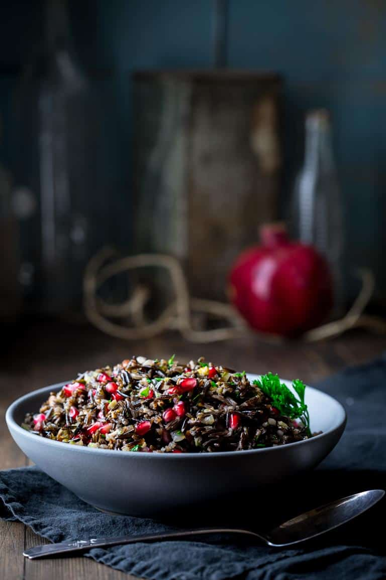 Wild Rice Pilaf with pistachios and pomegranates #christmasrecipe #vegan #glutenfree #sidedish #wildrice