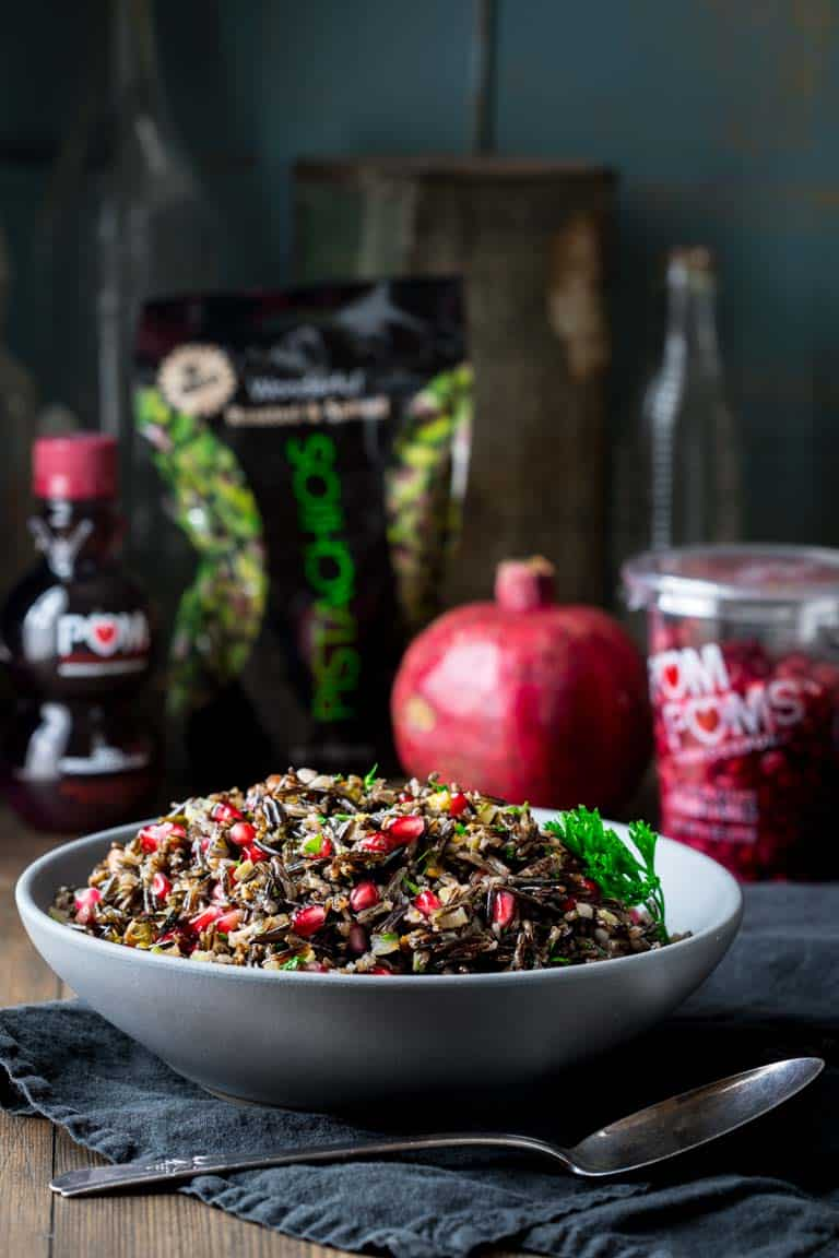 Wild Rice Pilaf with pistachios and pomegranates #christmasrecipe #vegan #glutenfree #sidedish #wildrice