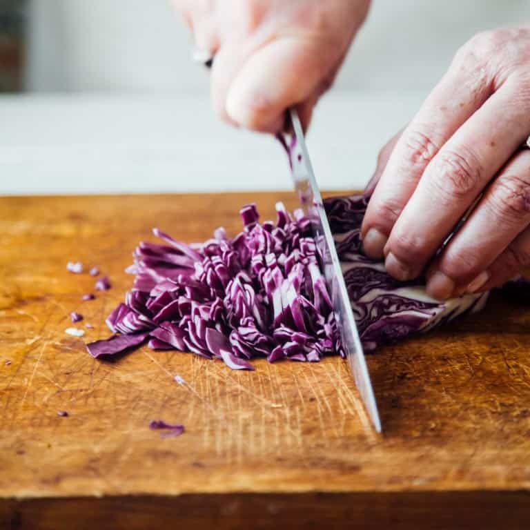 How to finely slice or shred cabbage by hand