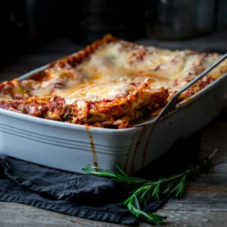 Caramelized Onion and Portabella Mushroom Lasagna #lasagna #italianfood #lasagnarecipe