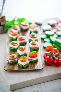 an easy and fast low-carb and gluten-free appetizer: Greek Salad Cucumber Bites | Healthy Seasonal Recipes