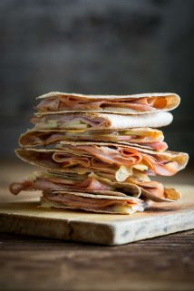 Apple Ham and Cheddar Quesadillas will be every kid's new favorite meal. They are fast and easy and family friendly. Healthy Seasonal Recipes #kidfriendly #weeknight #easyrecipe #apples