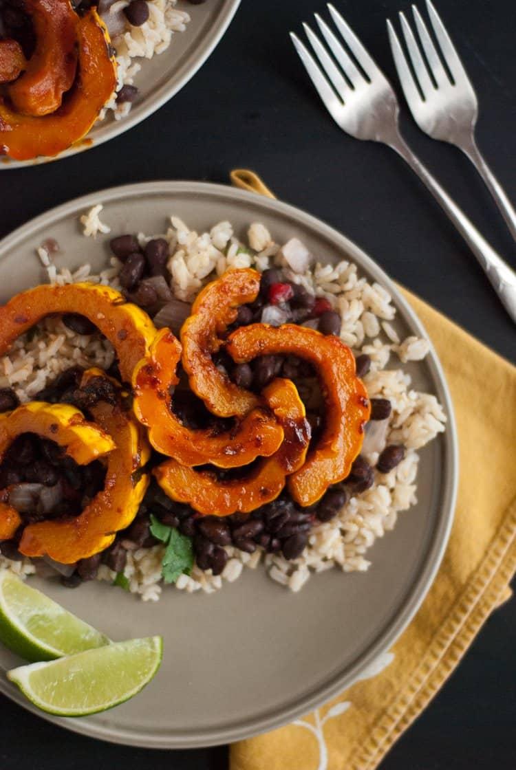 23 Delicata Squash Recipes | Healthy Seasonal Recipes | Katie Webster #delicatasquash #wintersquash #roastingsquash