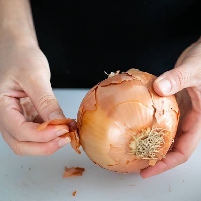 remove skin from onion