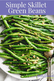 Simple Skillet Green Beans Closeup with text overlay