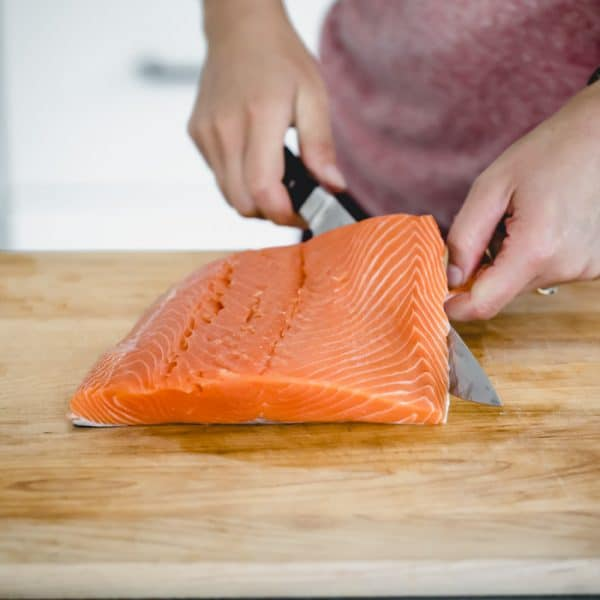 how to remove the skin from a filet of salmon
