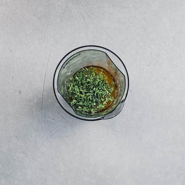 the ingredients in the blending jar