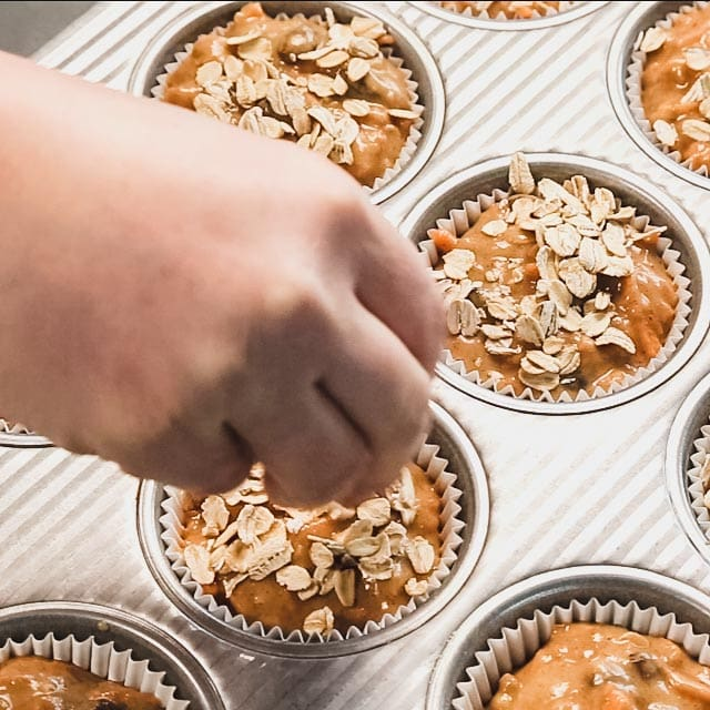 fill the muffin tins and add on  the oats
