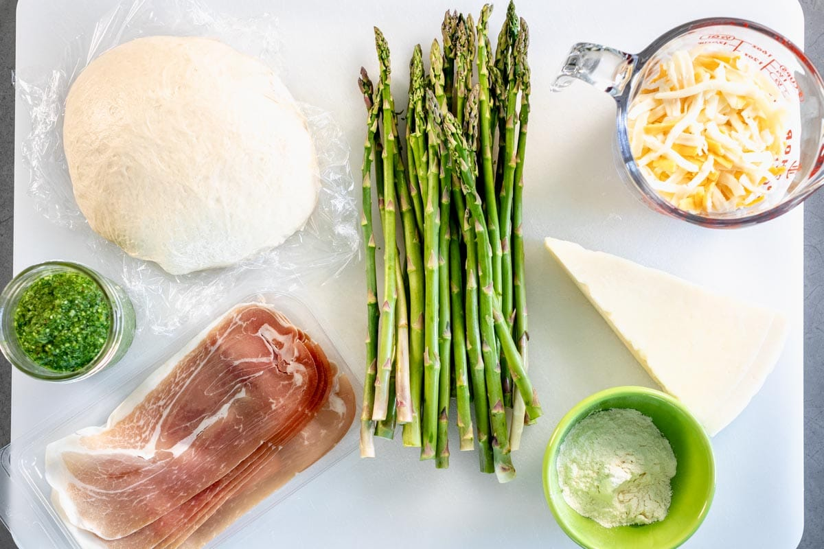 ingredients for asparagus pizza