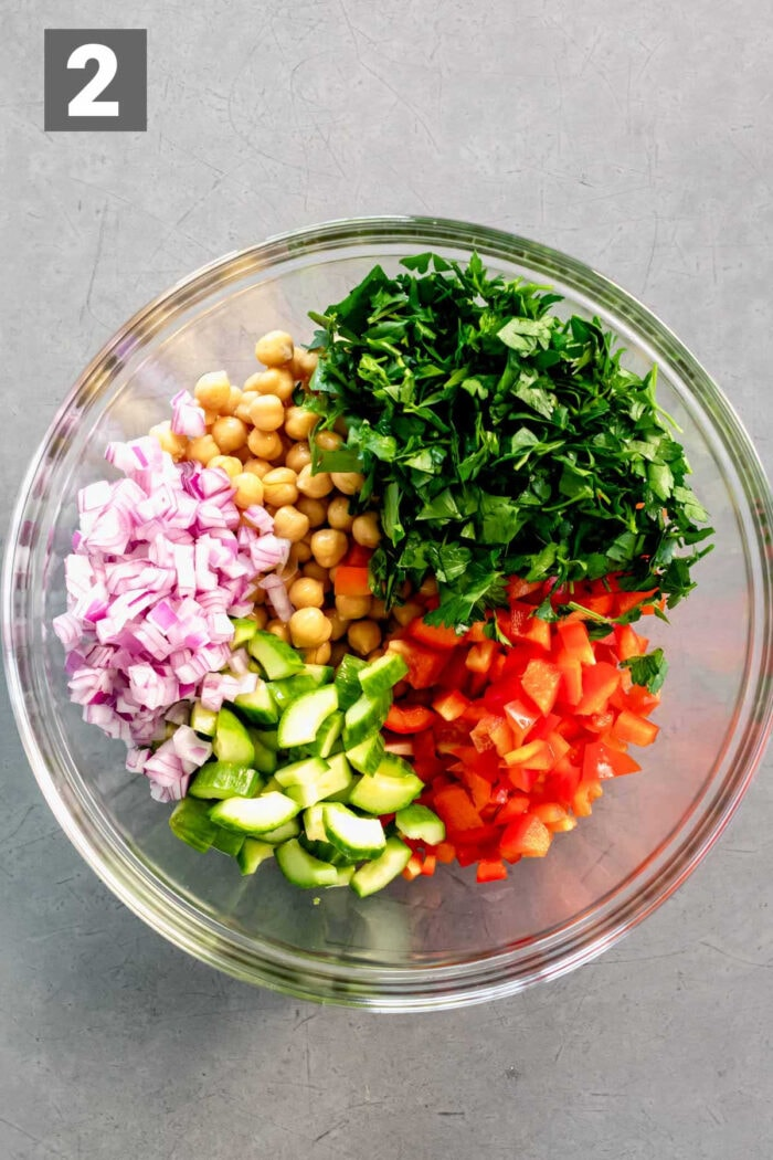 the chickpeas and veggies in the bowl