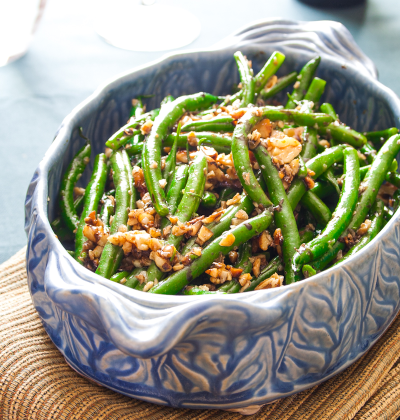 Green Beans And Walnuts With Lemon Vinaigrette Recipe — Dishmaps