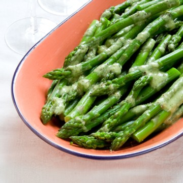 chilled asparagus with tarragon vinaigrette