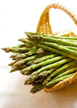 asparagus_in_a_basket